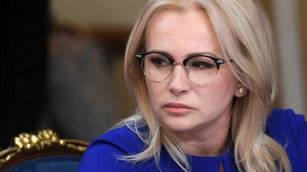 Член Комитета Совета Федерации по обороне и безопасности Ольга Ковитиди во время заседания по вопросам блокировки рекламных аккаунтов RT и Sputnik в Twitter. 1 ноября 2017