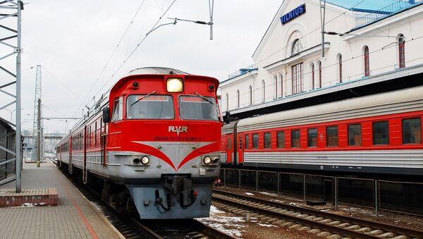 Поезда на железнодорожном вокзале Вильнюса