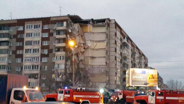 Часть жилого панельного дома №26 по Удмуртской улице обрушилась в Ижевске