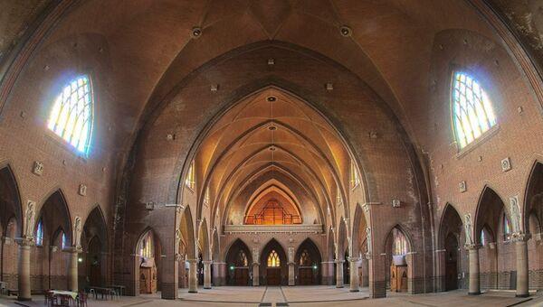 Каток Arhem Skate Hall в Нидерландах в здании храма святого Иосифа