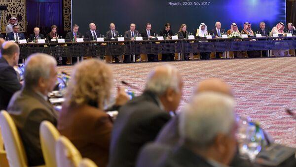 Заседание сирийской оппозиции в Эр-Рияде