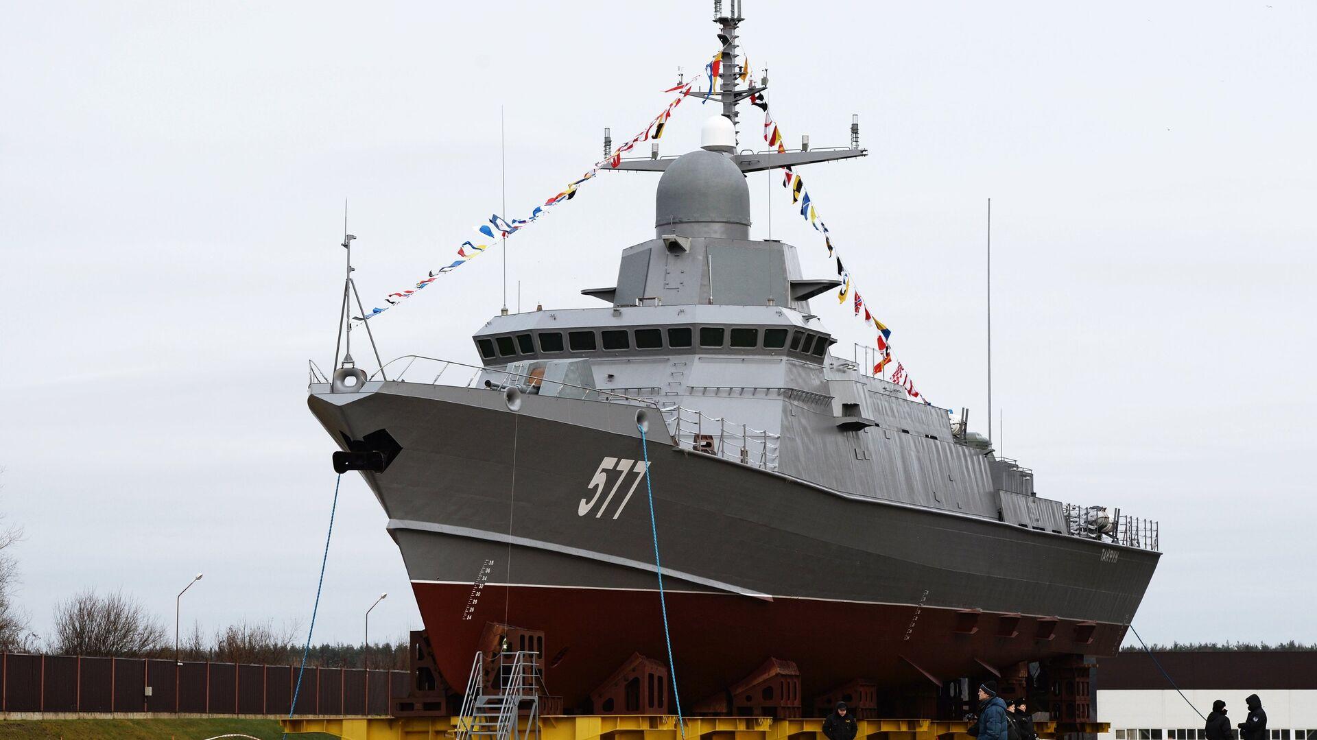 Малый ракетный корабль Тайфун проекта 22800 перед началом спуска на воду на Ленинградском судостроительном заводе Пелла. 24 ноября 2017 - РИА Новости, 1920, 23.02.2021
