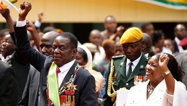 Эммерсон Мнангагва с супругой на церемонии инаугурации в Хараре, Зимбабве. 24 ноября 2017