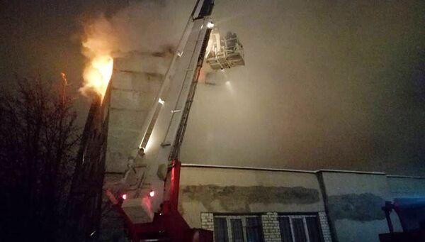 На месте пожара в жилом доме в Мурманске. 24 ноября 2017