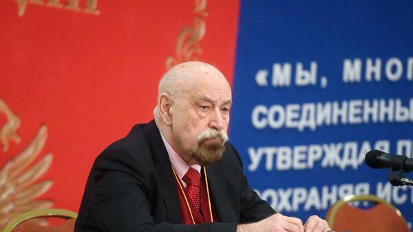 Член МХГ Валерий Борщев