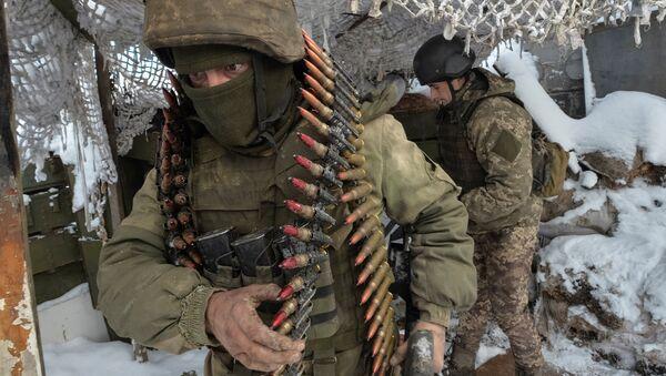 Украинские военнослужащие в Авдеевке. 25 ноября 2017