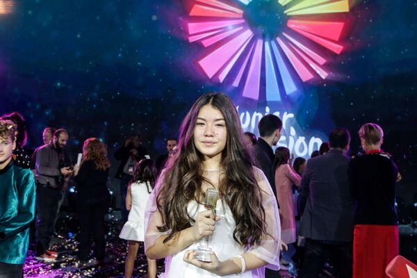 Российская певица Полина Богусевич, победившая в финале конкурса Детское Евровидение - 2017 в Тбилиси