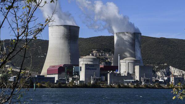 Атомная электростанция Крюа во Франции. Архивное фото