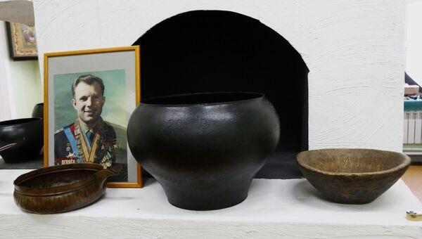 Экспозиция музея династии Толбухина, открытого общественным деятелем Владимиром Столяровым в селе Толбухино Ярославской области.