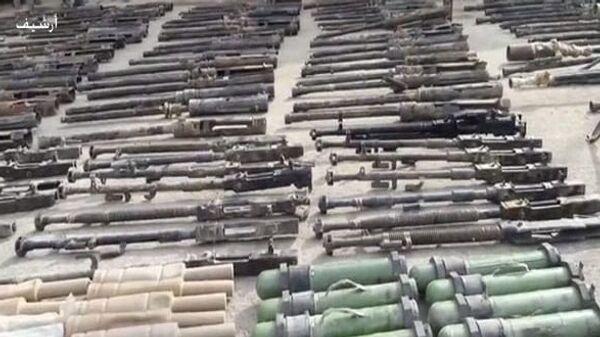 Оружие, обнаруженное сирийскими военными в освобожденных от боевиков ИГ (террористическая организация, запрещена в РФ) районах провинции Дейр-эз-Зор