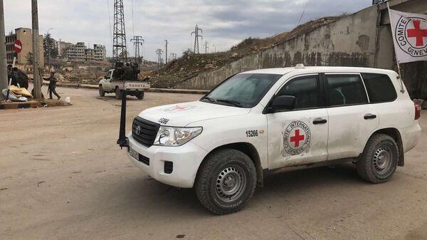 Автомобиль Красного креста в Алеппо. Архивное фото.