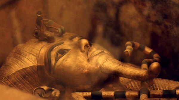 Один из саркофагов короля Египта Тутанхамона