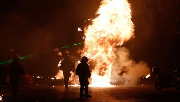 Беспорядки во время годовщины убийства подростка полицейскими в Афинах, Греция. 6 декабря 2017 года