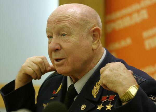 Алексей Леонов развеял слухи о том, что американцы не были на Луне