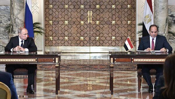 Президент РФ Владимир Путин и президент Арабской Республики Египет Абдельфаттах Сиси во время совместного заявления для прессЫ. 11 декабря 2017