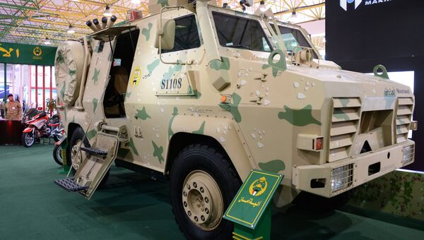 Бронеавтомобиль Национальной гвардии Кувейта на международной выставке вооружения и военной техники Gulf Defence & Aerospace-2017 в Эль-Кувейте