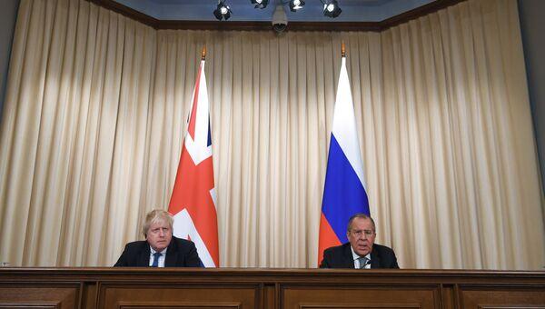 Министр иностранных дел России Сергей Лавров и министр иностранных дел Великобритании Борис Джонсон во время встречи. 22 декабря 2017
