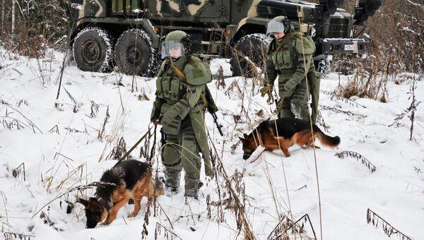 Во время занятий по специальной подготовке в 66-м учебном центре инженерных войск Вооруженных Сил РФ. Архивное фото