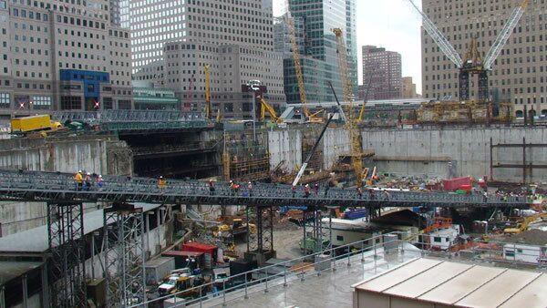 На месте трагедии 11 сентября семь лет спустя. Архив