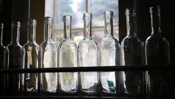 Цех розлива алкоголя. Архивное фото