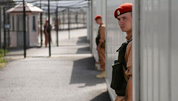 Российские военнослужащие на авиабазе Хмеймим в Сирии. Архивное фото