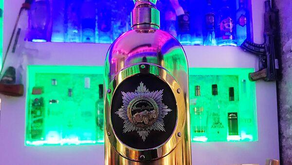 Бутылка водки Руссо-Балт, украденная из хранилища датского коллекционера в кафе Копенгагена. 3 января 2017