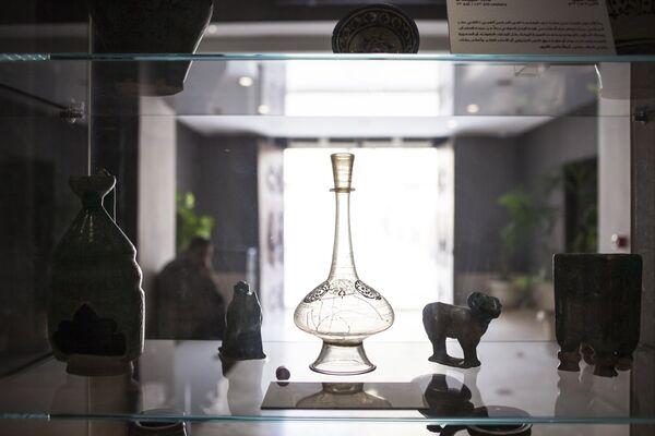 Ваза из сирийского стекла 13-го века в Музее исламского искусства в Каире