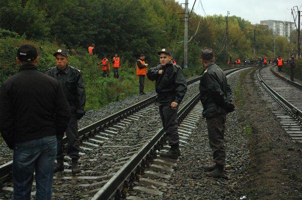 Железнодорожное полотно поврежденное в результате падения пассажирского самолета Boeing-737-500 в Перми