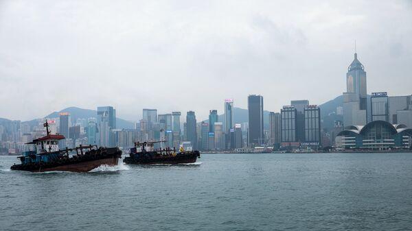 Вид с моря на Гонконг. Архивное фото