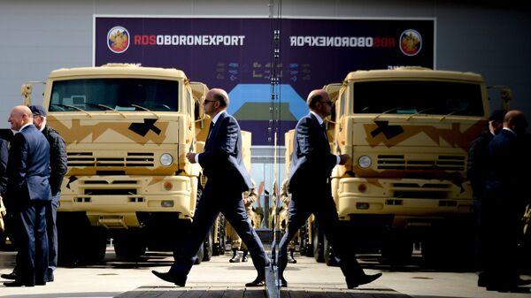 Стенд ОАО Рособоронэкспорт на форуме Армия