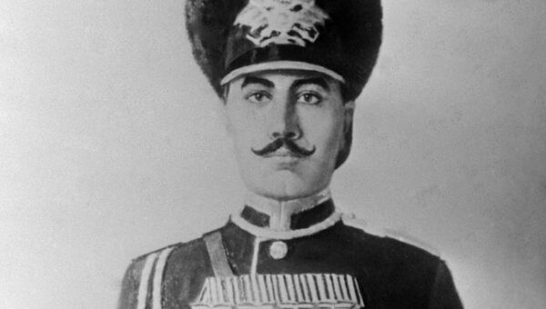 Старший унтер-офицер Приморского драгунского полка Семен Буденный. 1904 год