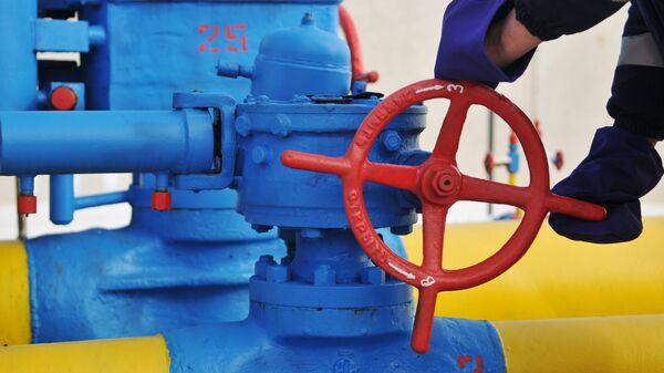 Вентиль на трубопроводе газораспределительной станции Нежухив в Стрыйском районе Львовской области