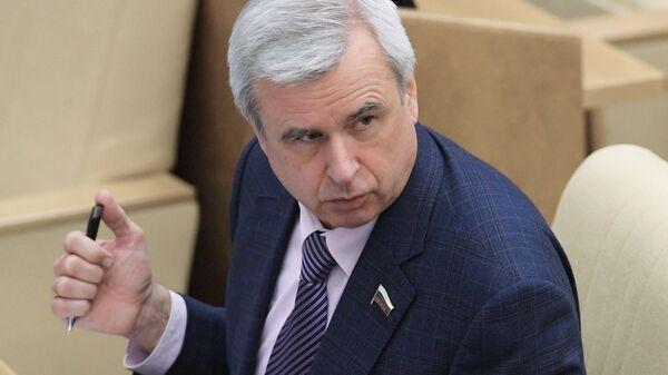 Первый заместитель председателя комитета Государственной Думы по государственному строительству и законодательству Вячеслав Лысаков