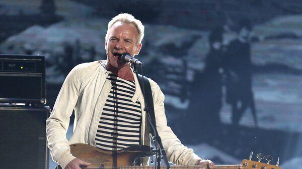 Музыкант Стинг выступает с программой Englishman In New York на 60-й церемонии Грэмми