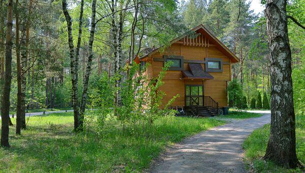 Современная версия архитектуры домов для состоятельных людей. Дом в курортной зоне Пирогово