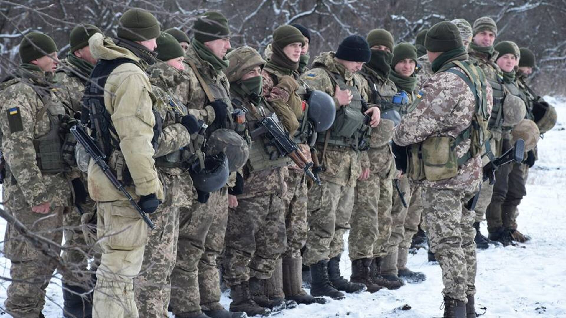 Военнослужащие вооруженных сил Украины на линии разграничения в Донбассе - РИА Новости, 1920, 02.01.2021