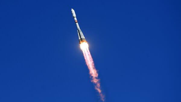 Старт ракеты-носителя Союз-2.1а с космодрома Восточный. 1 февраля 2018