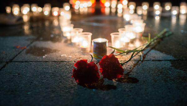 Акция в память о погибшем в Сирии пилоте Су-25 майоре Романе Филипове у памятника авиаторам-черноморцам в Севастополе. Архивное фото