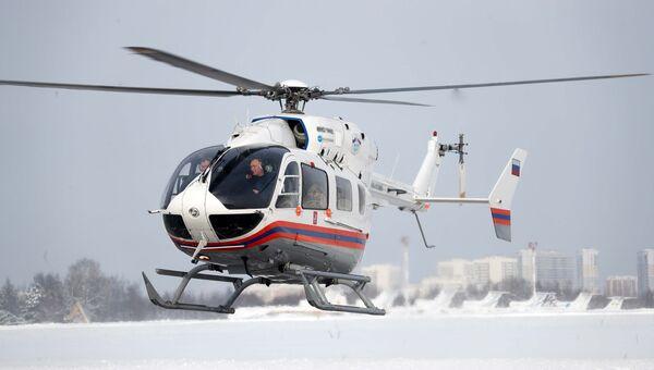 Вертолет Московского авиационного центра Департамента ГО ЧС и ПБ Москвы. Архивное фото