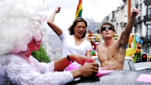Участники гей-парада в Брюсселе