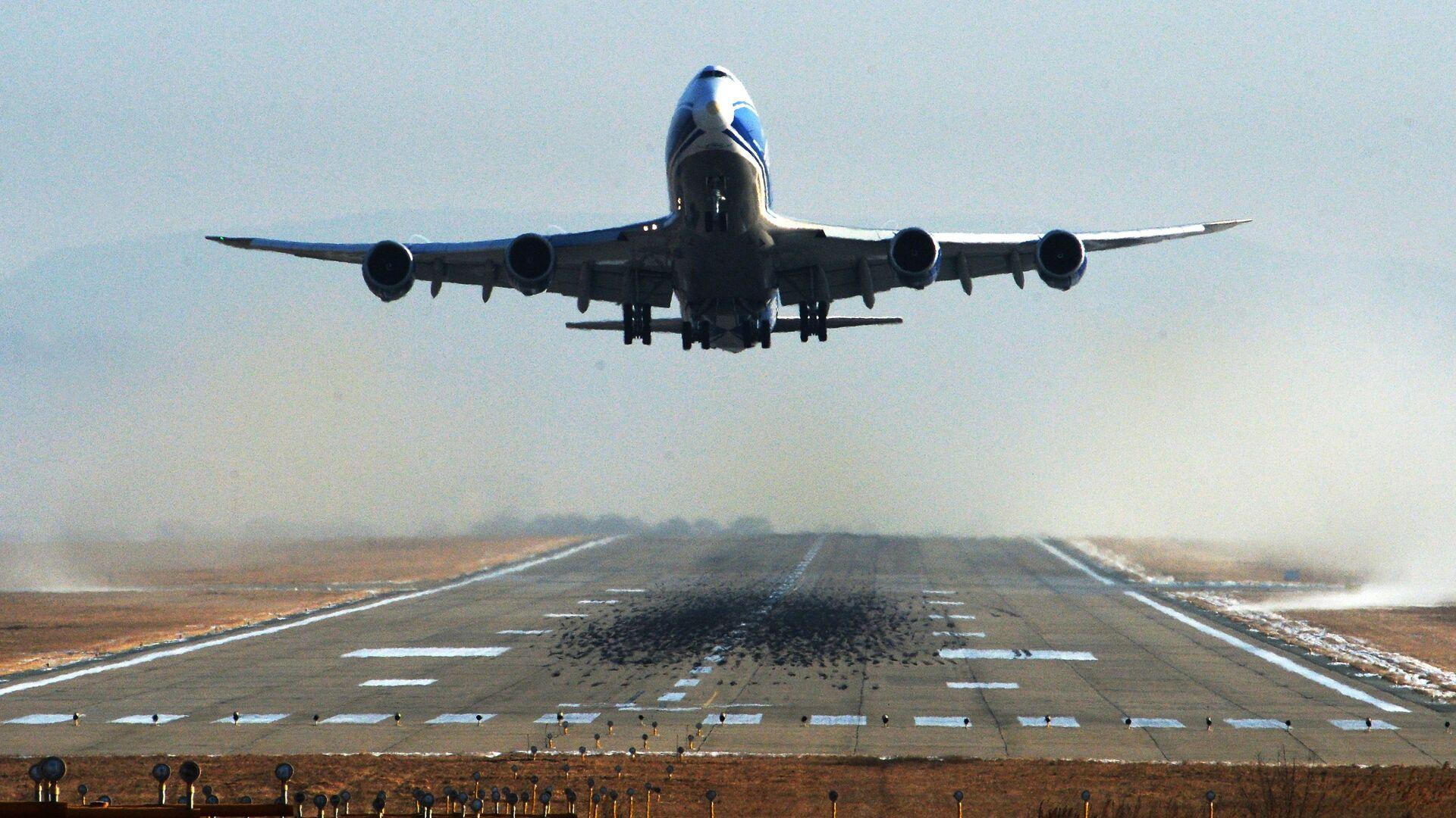 Грузовой самолет Boeing 747-400F авиакомпании AirBridgeCargo в аэропорту Владивостока - РИА Новости, 1920, 07.06.2021