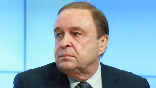 Член Совета Федерации Виталий Богданов. Архивное фото