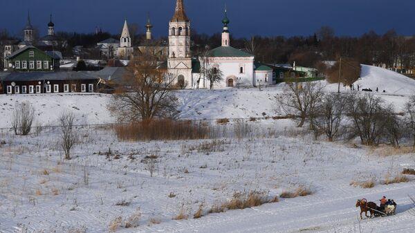 Вид на церквь в Суздале
