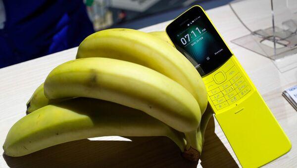 Новая банановая Nokia 8110 представлена в Барселоне на Международном мобильном конгрессе. 25 февраля 2018