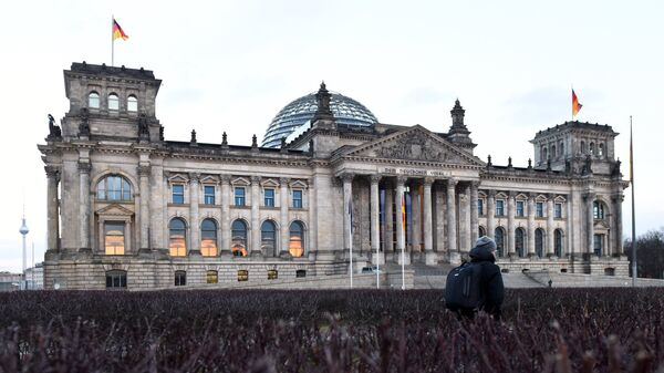 Историческое здание Рейхстага в центре Берлина на Парижской площади