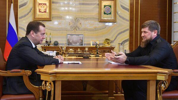 Дмитрий Медведев и глава Чечни Рамзан Кадыров во время встречи в Грозном. 26 февраля 2018