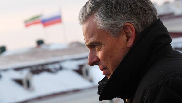 Посол США в РФ Джон Хантсман во время экскурсии по Казанскому Кремлю