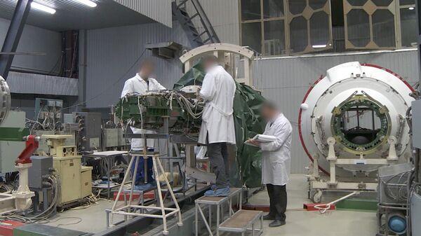 Стоп-кадр из видео Минобороны о ракетном комплексе стратегического назначения с гиперзвуковым планирующим крылатым блоком