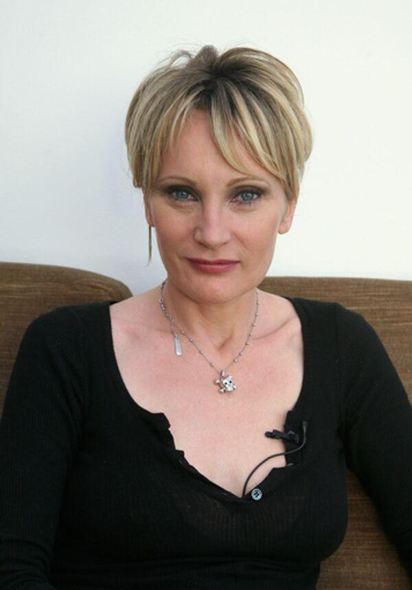 Певица Патрисия Каас во время интервью