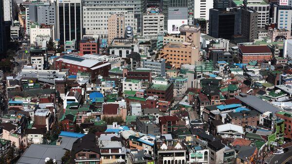 Вид на Сеул со смотровой площадки парка Намсан